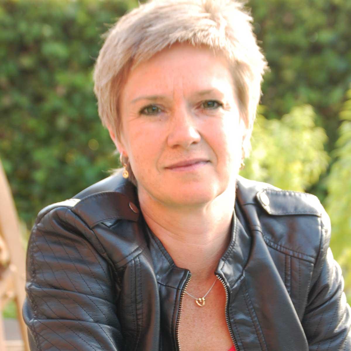Anne Olsen, regnskab for virksomhed, bogføring, hjælp til firmaregnskab, hjælp til regnskab i byggbranchen